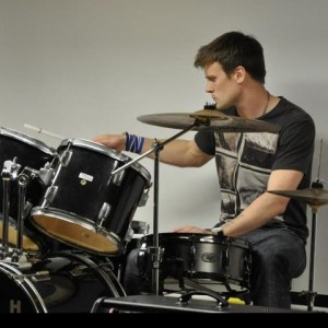 Drumming out his poetry to the rythmn